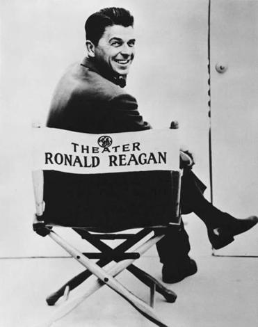 GE also sponsored General Electric Theater, a fiction anthology show hosted by Ronald Reagan on CBS from 1953 to 1962.